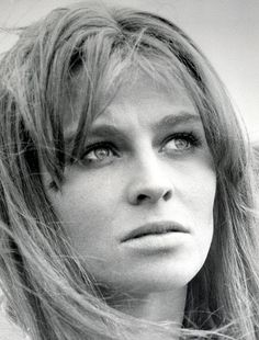 Julie Christie - More at http://cine-mania.it
