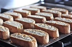 True to Amish Friendship Bread nature, our biscotti recipe is easily adapted. Amish Bread Recipes, Breakfast Bread Recipes, Dutch Recipes, Delicious Breakfast Recipes, Sweet Recipes, Baking Recipes, Dessert Recipes, Sourdough Recipes, Desserts