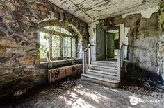 11 Haunting Photos Of Abandoned Schools In World