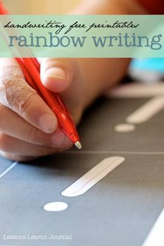 How do you help your child learn to write? Here's a free handwriting printable for rainbow writing {i}. Rainbow writing encourages kinesthetic awareness and memory, which is required for good handwriting. Pre Writing, Teaching Writing, Writing Skills, Teaching Tools, Teaching Kids, Letter Writing, Learning To Write, Preschool Learning, Rainbow Writing