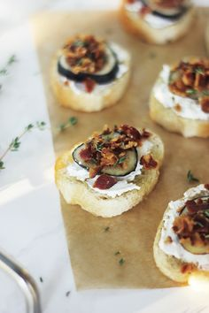 Fig, Bacon, Goat Cheese & Thyme Crostini @themerrythought