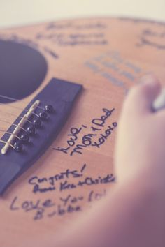 Using a guitar as a guestbook // photo by TiffanyArment.com