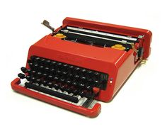 Valentine Typewriter - Tag your #MadeInItaly and #HeritageFinds with these hashtags for a chance to be featured on our board!