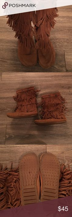 Minnetonka 3 Layer Fringe Boot- Size 3 Minnetonka 3 Layer Fringe Boot- Size 3: Gently worn boots- there're a few dark marks in the tops of the boots but overall good condition. They come from a smoke free home. I do not have the shoe box. Minnetonka Shoes Boots