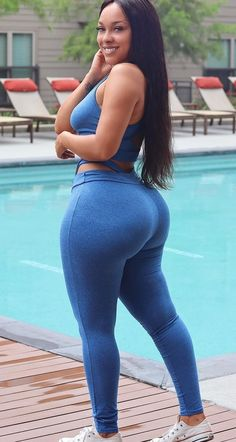 May 2020 - women Curves Curvy Thick Girls Outfits, Curvy Girl Outfits, Curvy Women Fashion, Fashion Black, Fashion Fashion, Fashion Models, Mädchen In Bikinis, Femmes Les Plus Sexy, Beautiful Black Girl
