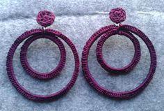 Pendientes de flamenca a ganchillo Tatting Necklace, Tatting Jewelry, Lace Jewelry, Textile Jewelry, Fabric Jewelry, Handmade Jewelry, Diy Macrame Earrings, Fabric Earrings, Diy Earrings