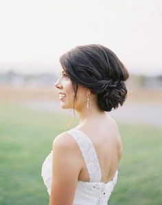 relaxed wedding hair style Vicki Grafton Photography 340x430 Elegant and Romantic Wedding Hair Styles