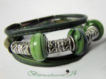 Armband, oliv - grün, Leder mit Glasperlen