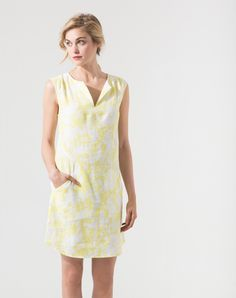 de61a24aa48 Robe jaune pâle imprimée Time Robes 1-2-3.fr Robes Jaune Pâle
