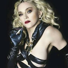 there's a only Queen Madona, Madonna Pictures, Lady Madonna, Divas, Women Smoking, Lady Diana, Cultura Pop, Female Singers, Material Girls