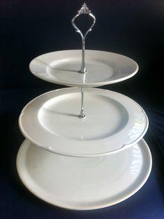 How-to DIY 3-tiered cake stand using different sizes of plates // Dansk vejledning til hjemmelavet kageopsats i 2-3 etager: http://www.dphtrading.com/dk/opsats.aspx