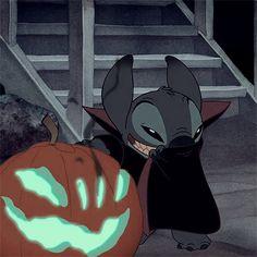 Halloween Wallpaper Iphone, Cartoon Wallpaper Iphone, Fall Wallpaper, Cute Disney Wallpaper, Cute Cartoon Wallpapers, Animes Wallpapers, Dragon Medieval, Lelo And Stitch, Batman Cartoon