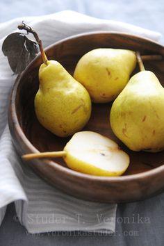Pears by Studer T.V. - Veronika Studer
