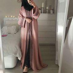 Hijab Fashion Summer, Niqab Fashion, Fashion Dresses, Estilo Abaya, Mode Kimono, Mode Abaya, Muslim Women Fashion, Outfit Look, Hijab Fashion Inspiration
