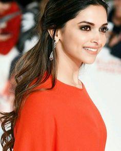 Deepika Padukone flawless and pretty Indian Celebrities, Bollywood Celebrities, Bollywood Actress, Indian Film Actress, Indian Actresses, Deeps, Dipika Padukone, Deepika Padukone Style, Bollywood Stars