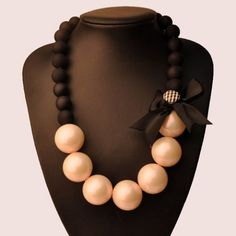 """""""Trendy Series"""" Black Bowknot Faux Pearl Necklace"""