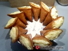 Great recipe for Trigona from Panorama. Trigona from Panorama (Panorama Triangles) is a filo triangle pastry with custard. Recipe by MAGEIRISSA Greek Sweets, Greek Desserts, Greek Recipes, Greek Cooking, Cooking Time, Cooking Recipes, The Kitchen Food Network, Special Recipes, Food Network Recipes