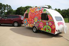 The full wrap on this cute little R-Pod is absolutely groovy baby!