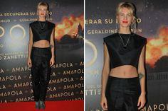 Ohlaleando: mirá lo que se puso Mariana Fabbiani  Liz Solari fue al estreno de Amapola con un conjunto en negro, con un pantalón amplio y un crop top Foto:Muchnik Comunicación