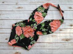 ❤ Hoch taillierte One Piece Swimsuit - Handmade in Vintage inspirierte Design - das ist solch eine Figur schmeichelhaft Badeanzug! ❤  ❤ In schöne Orange und schwarz Blumenmuster Print ❤  Dieser Badeanzug ist alles, dass Bademode sollte... niedlich, Spaß & prächtig, allerdings in der gleichen Zeit Jawdroppingly sexy und vor allem einzigartige & bissig - Wenn Sie sind auf der Suche nach Bademode, die porträtiert, wer Sie sind, dann suchen Sie nicht weiter... es ist!!!  Ich kam mit diesem…