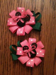 - Minnie Mouse Flower Hair Clips Pink - with buttons as mouse Ribbon Hair Clips, Hair Ribbons, Ribbon Art, Diy Hair Bows, Diy Bow, Flower Hair Clips, Ribbon Crafts, Ribbon Bows, Diy Crafts