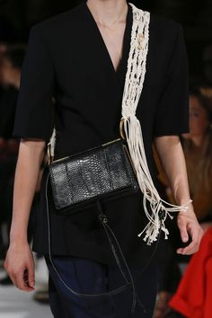 Stella McCartney Spring 2018 Ready-to-Wear Collection - Vogue Haute Couture  Bags 215a03d59a160