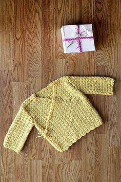 This cute crochet jacket is made in pieces and seamed. Special Gift Jacket Designed by Universal Yarn Design Team SIZES mo yr, yr, yr, Kimono Pattern Free, Crochet Baby Cardigan Free Pattern, Crochet Baby Sweaters, Crochet Baby Clothes, Crochet Jacket, Jacket Pattern, Baby Knitting, Crochet Patterns, Knitting Patterns