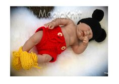 Micky Mouse knitted outfit for a newborn
