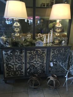 Mirrored sideboard browsers.ie