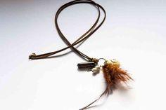 Collar con plumas y Jaspe www.lauritalacomplementos.com