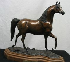 A classy bronze. Think Tom sold out of this piece recently. Toms, Wildlife, Bronze, Classy, Horses, Gallery, Artist, Animals, Animales