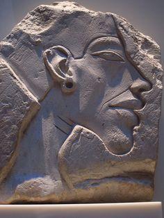 Relieve de Akenaton en el Museo de Berlin #Historia