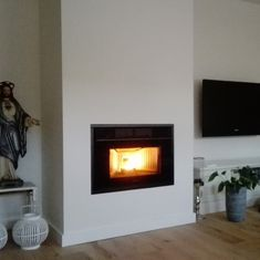 Pelletkachel in wand Log Burner, Stoves, Fireplaces, Living Room, Interior, Home Decor, Houses, Fire Places, Drive Way