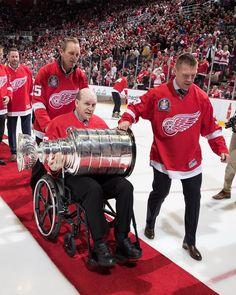 Darren McCarty, Kris Draper, Vladimir Konstantinos with the Stanley Cup on Hockey Baby, Hockey Teams, Hockey Players, Ice Hockey, Sports Teams, Hockey Stuff, Detroit Sports, Detroit Tigers, Red Wings Hockey