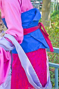 Mulan dress detail | Flickr - Photo Sharing! - don't usually see details of Mulan's costume