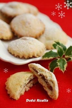 Biscotti farciti con pere, zenzero, cacao e amaretti