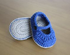 Crochet Baby Shoes by MoniqueBoutiqueMB on Etsy Baby Girl Shoes, Girls Shoes, Crochet Baby Shoes, Baby Booties, Christening, Photo Props, Etsy, Infant, Crochet Patterns