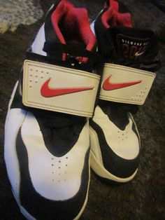 newest 9e5a5 2063d A great pre owned pair of Mike Air Diamond Turf · Nike Air Diamond TurfBoys  ShoesMen s ...