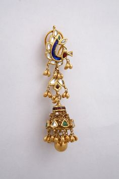Fulfill a Wedding Tradition with Estate Bridal Jewelry Gold Jhumka Earrings, Jewelry Design Earrings, Gold Earrings Designs, Jhumka Designs, Diamond Earrings, Gold Bangles Design, Gold Jewellery Design, Gold Jewelry, Beaded Jewelry