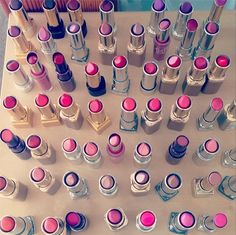 How to find the perfect pink lipstick for your skin tone. I have always wondered what shade is for me! All Things Beauty, Beauty Make Up, Diy Beauty, Kiss Makeup, Love Makeup, Lipstick Skin Tone, Pink Lipsticks, Makati, Beauty Nails