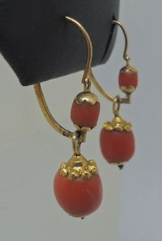 Catawiki online auction house: Gold earrings with red coral.