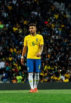 Manchester United, Alex Telles, Brazil Football Team, Fc Porto, Soccer, Sporty, Wallpaper, Style, Fashion
