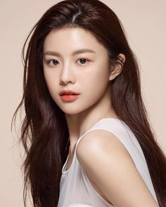 All About women's interest in fashion, beauty and style Korean Makeup Look, Asian Makeup, Korean Beauty Girls, Asian Beauty, Beauty Skin, Beauty Makeup, Hair Beauty, Beautiful Girl Image, Beautiful Asian Women