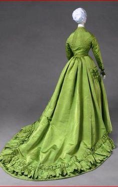 Worth Bobergh  Green Silk Dress. Paris 1866-1867