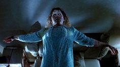 """Vídeo resgata reação do público ao assistir o filme """"O Exorcista"""" em 1973 - http://eleganteonline.com.br/video-resgata-reacao-do-publico-ao-assistir-o-filme-o-exorcista-em-1973/"""