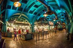 Vulcania is a buffeteria-style restaurant in the Jules Verne-inspired Mysterious Island at Tokyo DisneySea serving Chinese food. This review and overview c
