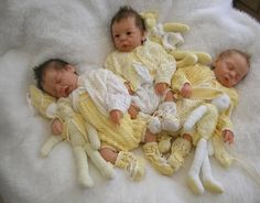 Eva Helland Triplets in their Sally knits Triplets would be fun to dress! Reborn Toddler Girl, Reborn Babies, Life Like Babies, Little Babies, Baby Born, Realistic Dolls, Lifelike Dolls, Real Baby Dolls, Reborn Nursery