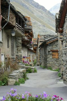 Bonneval-sur-Arc, Rhône-Alpes, France ✿༺
