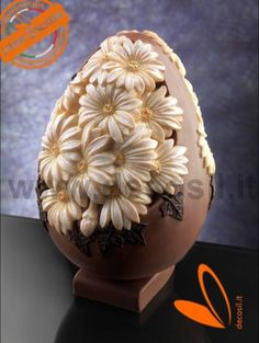 Egg Chocolate Mould Daisies, Moulds for Easter decorations Chocolate Work, Chocolate Fondant, Chocolate Shop, Chocolate Molds, Easter Egg Moulds, Easter Eggs, Paletas Chocolate, Chocolate Showpiece, Egg Cake