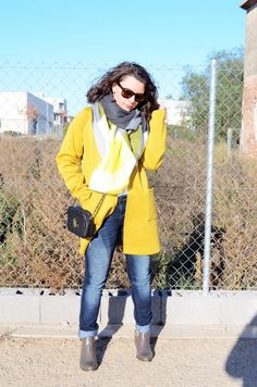 Yellow and grey - Mi Vestido Azul |Fashion and Lifestyle Blog | By Lourdes BuesoMi Vestido Azul |Fashion and Lifestyle Blog | By Lourdes Bueso